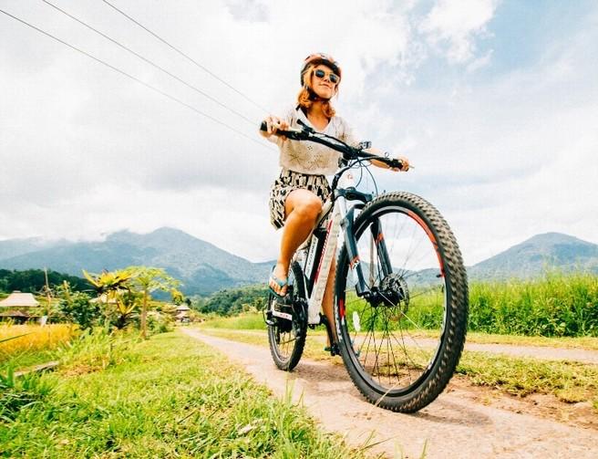 Bicicletta elettrica: un nuovo modo per restare in forma. Ecco perché è meglio della bici tradizionale